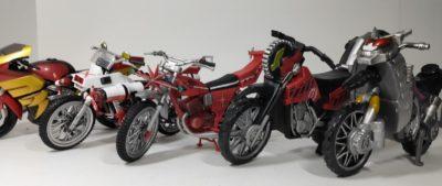 掌動と装動のバイクたち